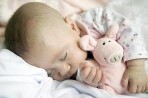 Как правильно новорожденного уложить спать