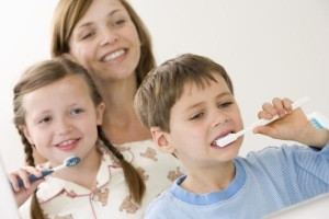 с какого возраста нужно чистить зубы ребенку