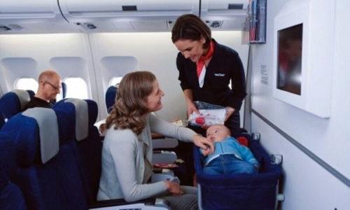 Основные правила перевозки детей самолетом