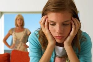 Переходный возраст у девочек: как вести себя родителям