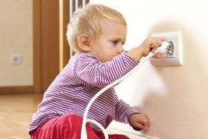 Первая помощь при поражении электрическим током: порядок действий
