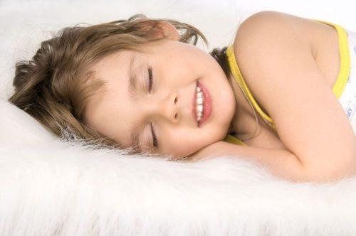 причина скрежета зубами у детей