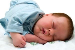 как новорожденный должен спать