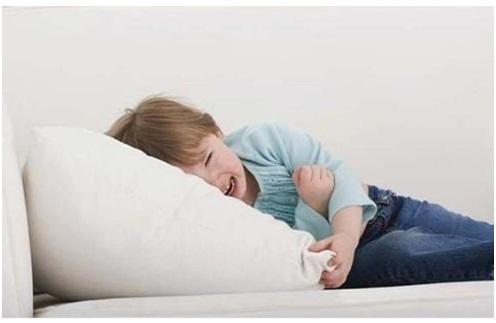 когда у ребенка болит живот