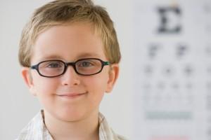 Близорукость у детей школьного возраста: лечение