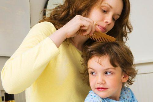 Педикулез у ребенка: чем лечить