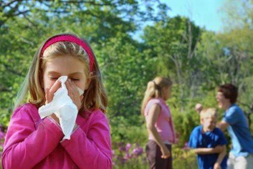 Аллергический ринит у ребенка: симптомы и лечение