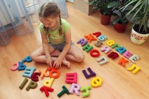 Как научить ребенка алфавиту в 5 лет
