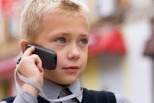 Мобильный телефон для ребенка 7 лет: критерии выбора