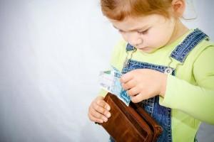 Ребенок ворует деньги у родителей: советы психолога