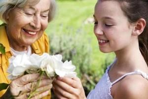 Что подарить бабушке на день рождения своими руками