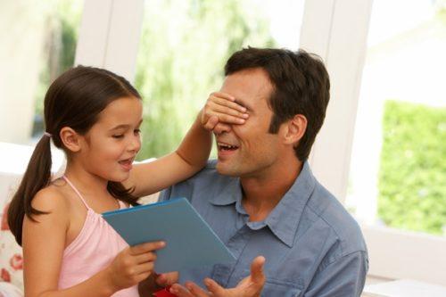 Что подарить папе на день рождения: своими руками