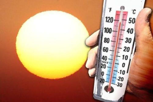 Что делать, если ребенок перегрелся на солнце и у него поднялась температура?