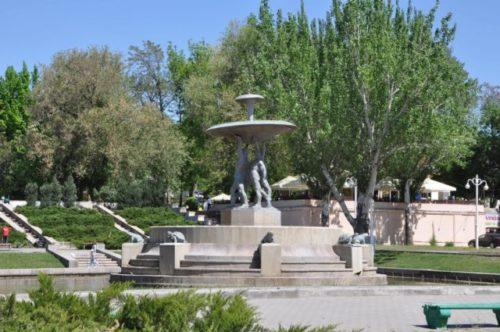 Парк, названный в честь события Октябрьской Революции.jpg