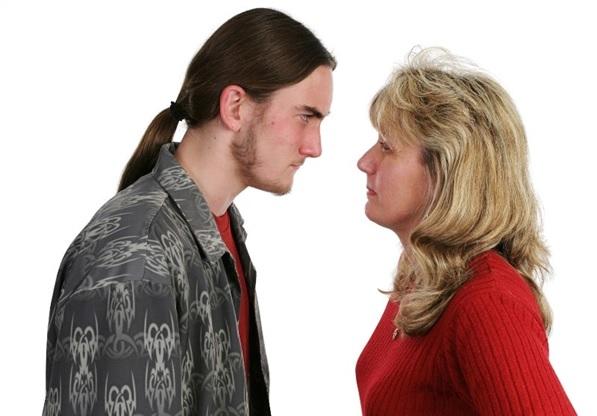 Подросток хамит родителям