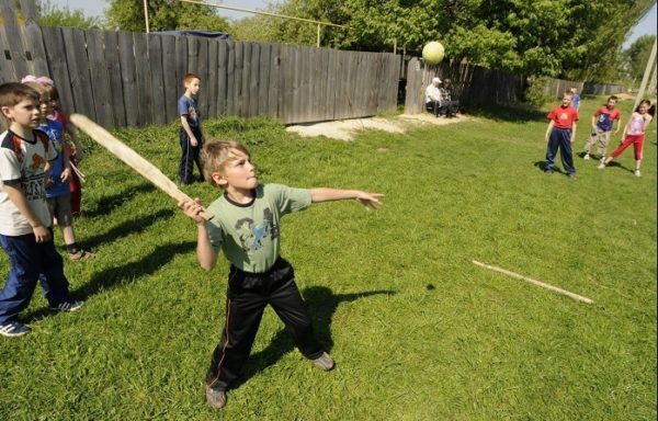 Некоторые тонкости игры в лапту для детей