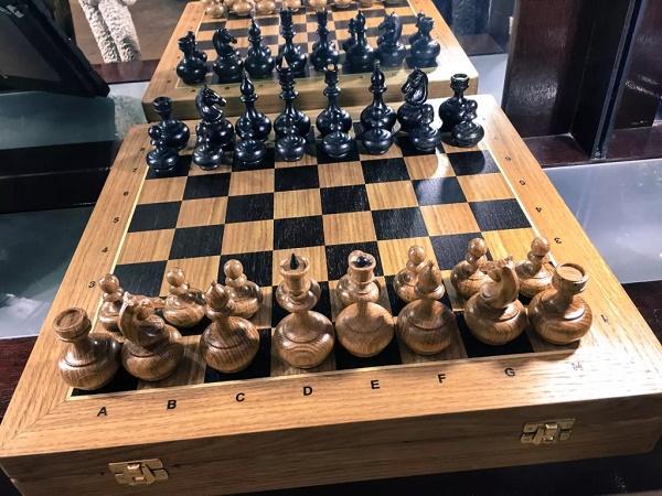 О шахматных фигурах, их расстановке и ценности