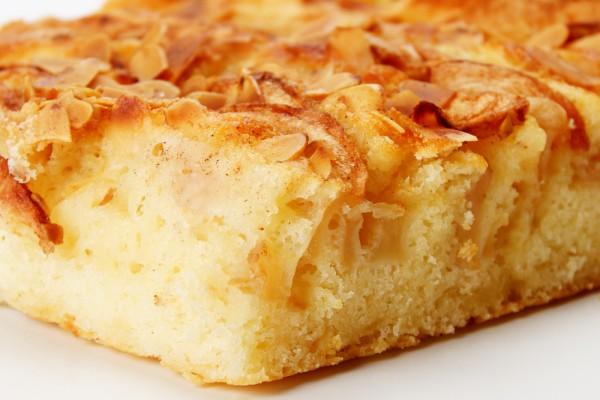 Как приготовить шарлотку с яблоками в духовке.jpg