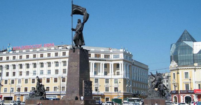 Площадь Борцов