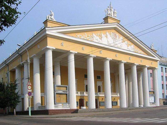 Брянский театр драмы им. Толстого