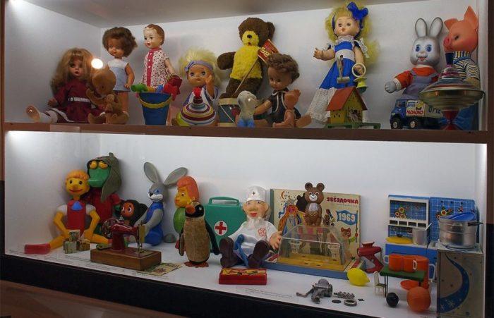 """Выставка """"Хранители детства"""""""