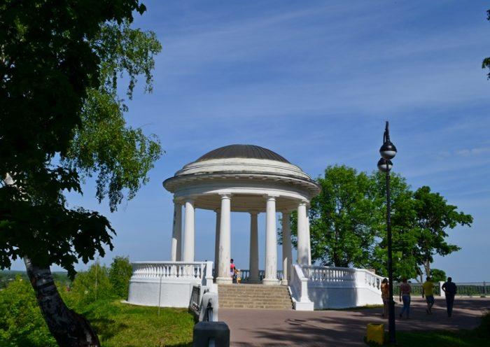Александровский парк (сад) и Парк аттракционов «Поляна сказок»