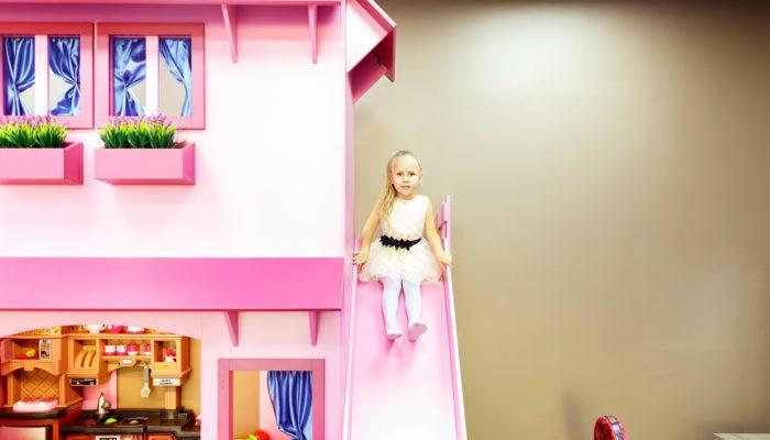 Только для девочек: игровая комната Barbie Club