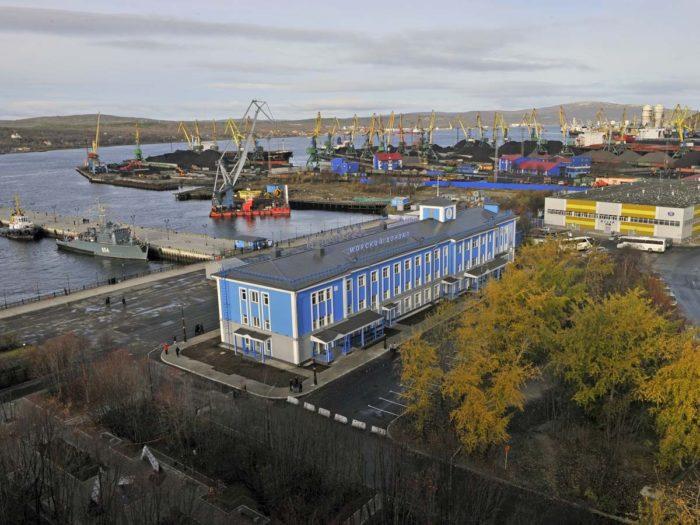 Морской вокзал Мурманска и музей под открытым небом
